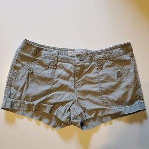 3/$15 EUC Aero Shorts Size 9/10